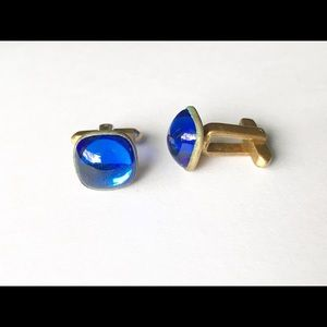 Hickok Vintage Blue Glass Cabochon Cufflinks